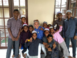 givelight-children-orphans-dian-sri-lanka-group-2