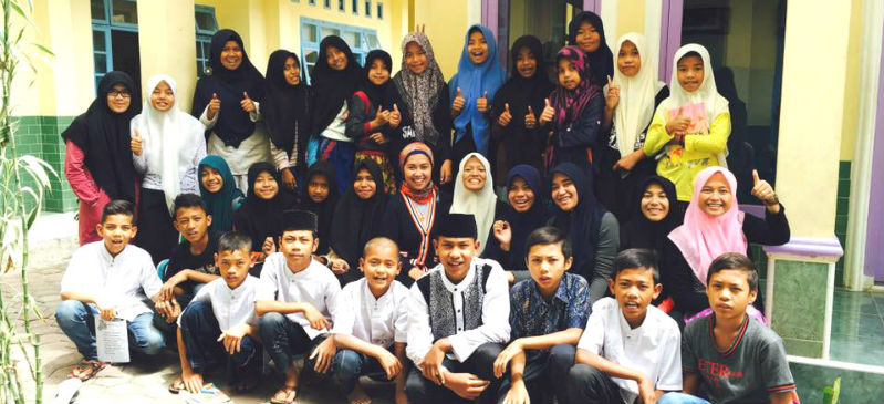 givelight-children-orphans-indonesia-ramadan-groupshot