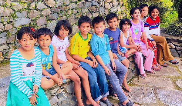 givelight-children-orphans-asia-nepal-kids-intro-600x350